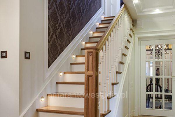 Projektowanie wnętrz styl tradycyjny u architekta wnętrz schody Białystok
