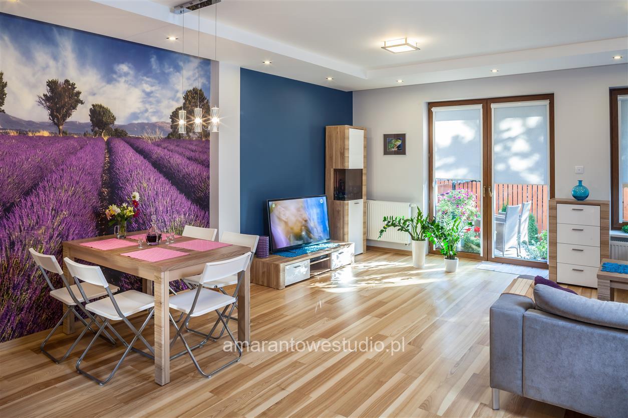Dom w kolorze fioletowym - Inspiracje - Aranżacja wnętrz - Architekt wnętrz Białystok