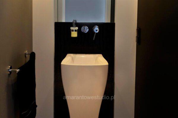 Modernistyczna łazienka zaprojektowana przez projektantów wnętrz Białystok