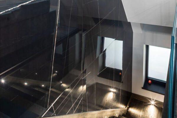 Schody na piętro - nowoczesny design architekta wnętrz Białystok