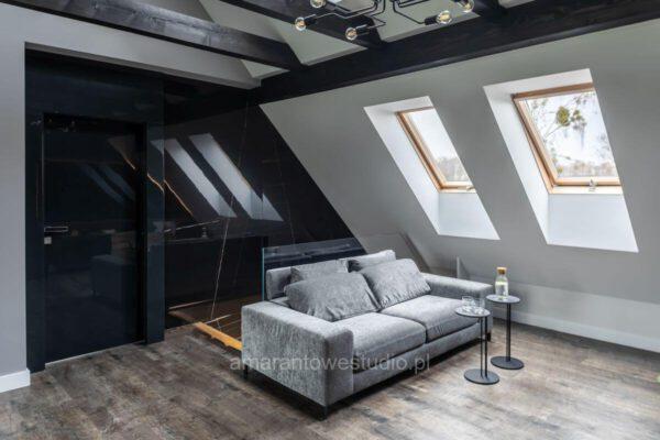 Pokój dzienny na piętrze wg projektu architekta wnętrz Białystok