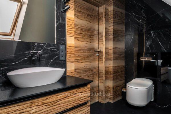 Aranżacja wnętrza łazienki - czerń i brąz Białystok
